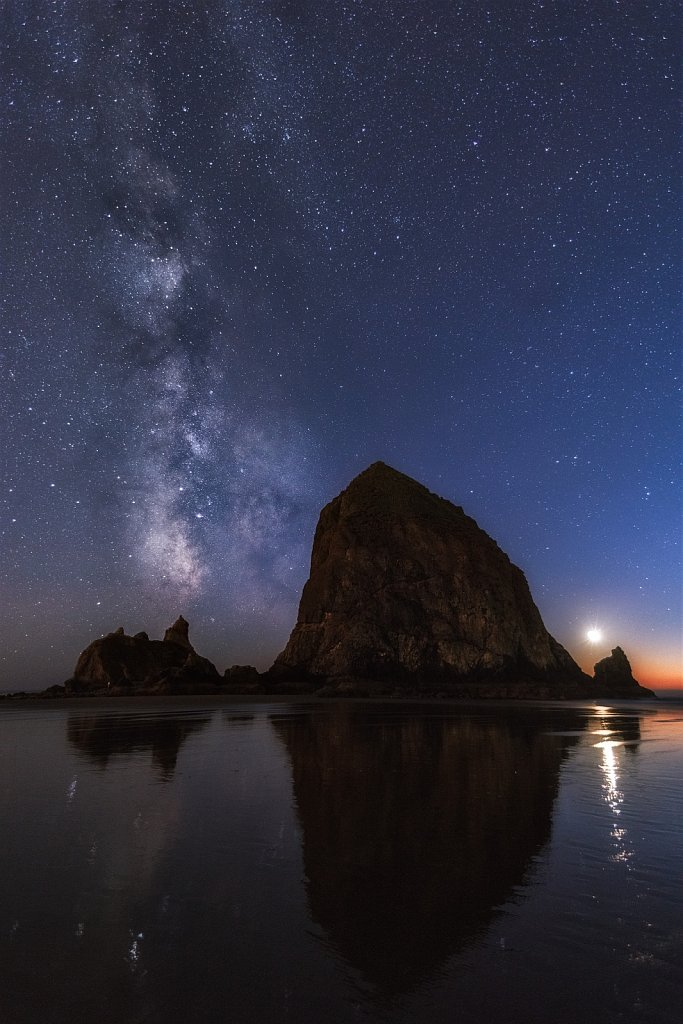 Cannon-Beach-Milky-Way-10-11-2018-20-00-40.jpg